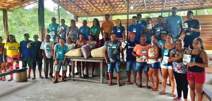 Bagre recebe curso de beneficiamento da mandioca